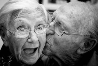 idosos namorando - Cópia